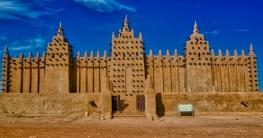 মাটির তৈরি বিশ্বের সবচেয়ে বড় মসজিদ