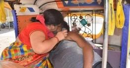 অক্সিজেন সংকট, মুখে শ্বাস দিয়ে স্বামীকে বাঁচানোর চেষ্টা