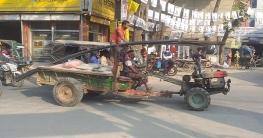 মানিকগঞ্জে অবৈধ যানবাহনের দৌরাত্ম্যে প্রতিনিয়তই ঘটছে নানা দূর্ঘটন